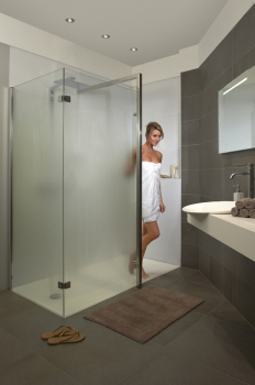 Conseil du mois des panneaux en acrylique dans les for Panneau de douche acrylique